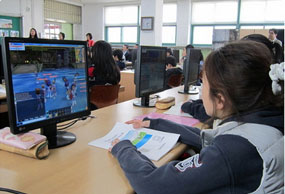 students-playing-games